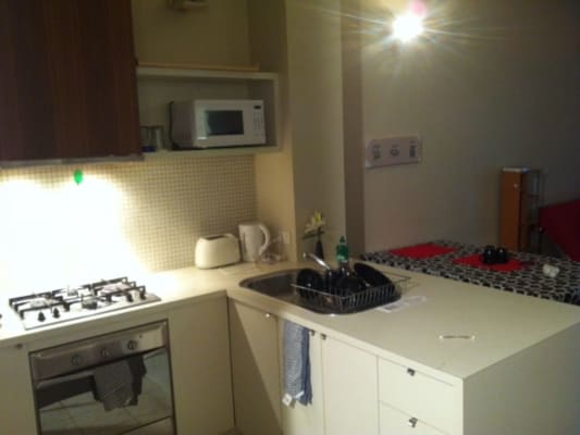 $140, Flatshare, 1 bathroom, Little Bourke St, Melbourne VIC 3000