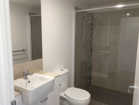 $210, Flatshare, 3 bathrooms, Logan Road, Upper Mount Gravatt QLD 4122