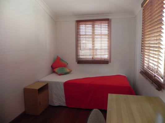 $180, Share-house, 5 bathrooms, Lutwyche, Windsor QLD 4030