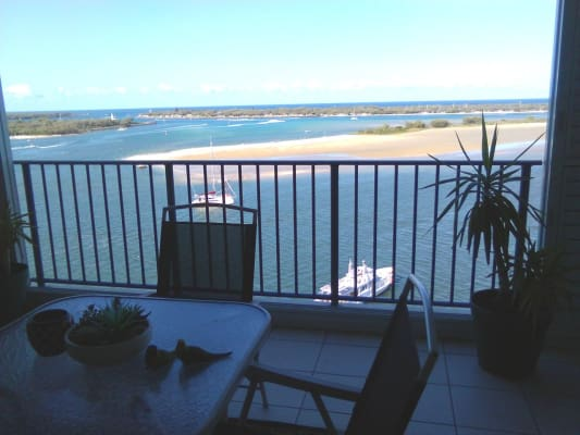$300, Flatshare, 2 bathrooms, Marine Parade, Labrador QLD 4215