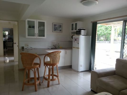 $350, Share-house, 1 bathroom, Midwood Street, Wishart QLD 4122