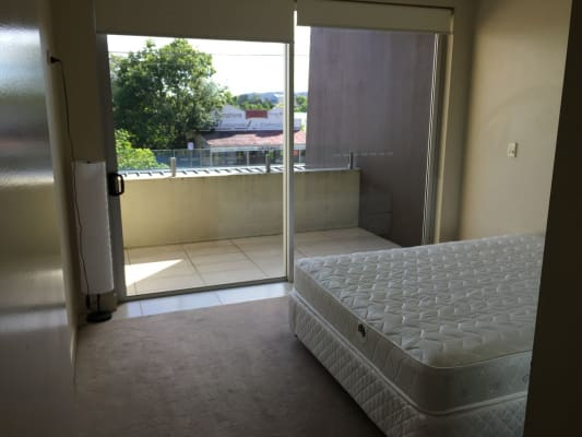 $320, Flatshare, 3 bathrooms, Musgrave Road, Red Hill QLD 4059
