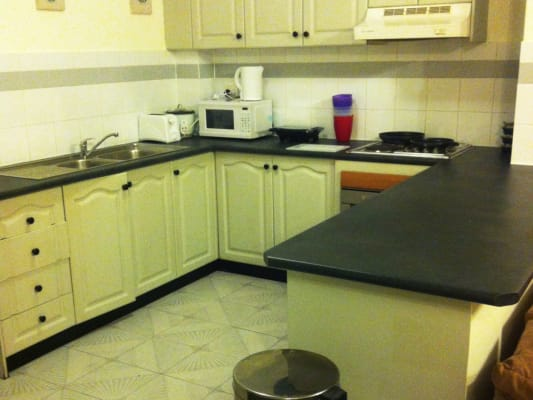 $165, Flatshare, 2 bathrooms, Myrtle Street, Chippendale NSW 2008