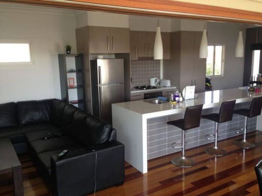 $170, Share-house, 4 bathrooms, Newcastle Street, Fairfield QLD 4103