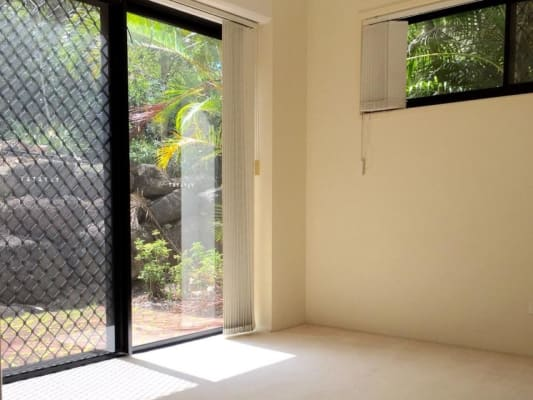 $165, Flatshare, 2 bathrooms, Norman Crescent, Norman Park QLD 4170