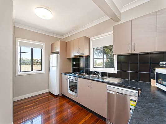 $220, Flatshare, 3 bathrooms, Nudgee Rd, Nundah QLD 4012