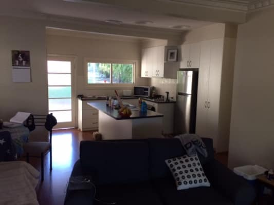$160, Share-house, 3 bathrooms, Padman Drive, Albury NSW 2640