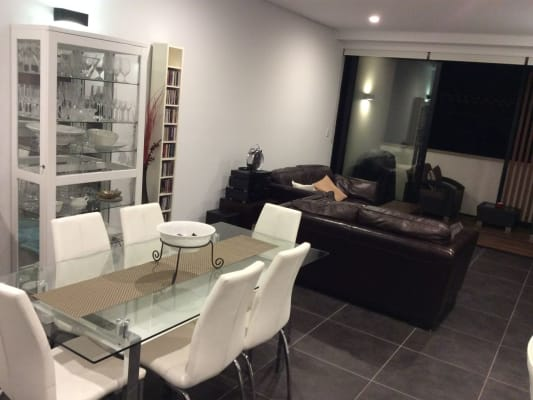 $400, Flatshare, 2 bathrooms, Pyrmont Bridge Road, Forest Lodge NSW 2037