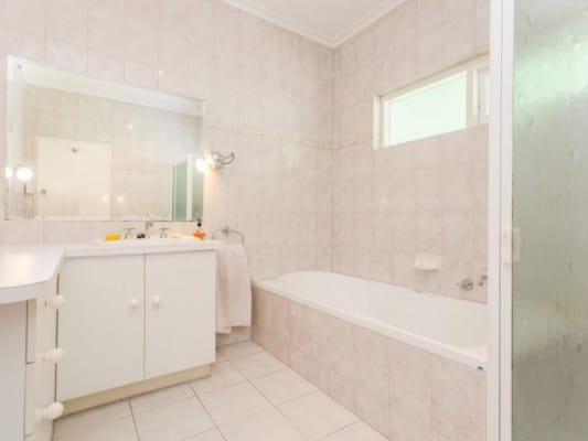 $155, Share-house, 5 bathrooms, Ridgehaven Drive , Bellevue Heights SA 5050
