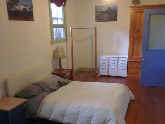 $380, Share-house, 5 bathrooms, Robertson Street, Kensington VIC 3031