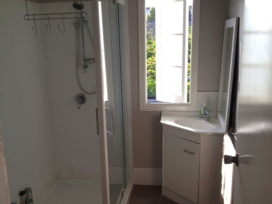 $170, Share-house, 3 bathrooms, Regent Street, Wynnum West QLD 4178