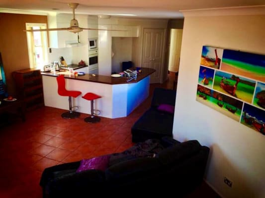$250, Share-house, 3 bathrooms, Santa Monica Road, Miami QLD 4220