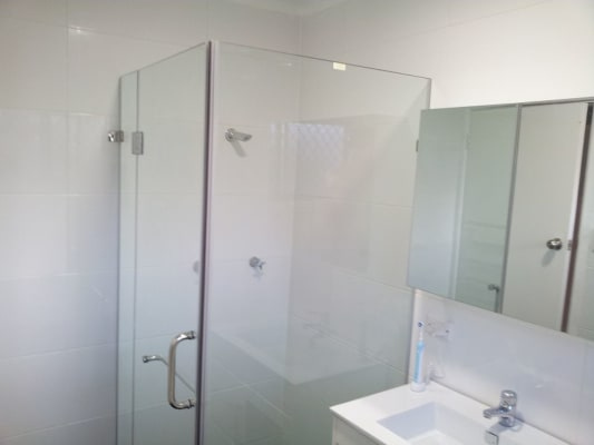 $185, Share-house, 3 bathrooms, Sinclair Street, Gosford NSW 2250