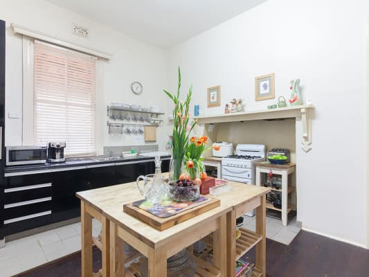 $220, Share-house, 5 bathrooms, South Street, Fremantle WA 6160