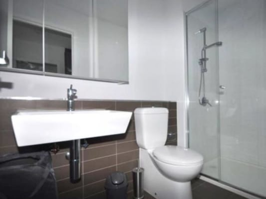 $165, Flatshare, 3 bathrooms, Spencer Street, Melbourne VIC 3000