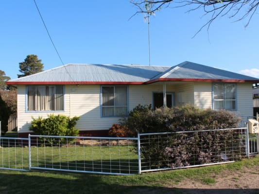 $155, Share-house, 5 bathrooms, Stewart Street, Bathurst NSW 2795
