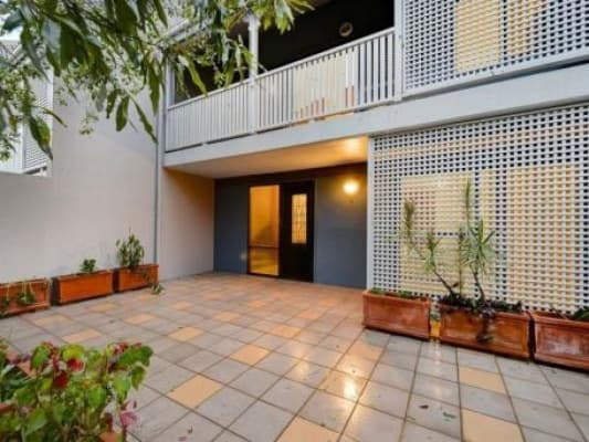 $280, Share-house, 3 bathrooms, Thornbury St, Spring Hill QLD 4000