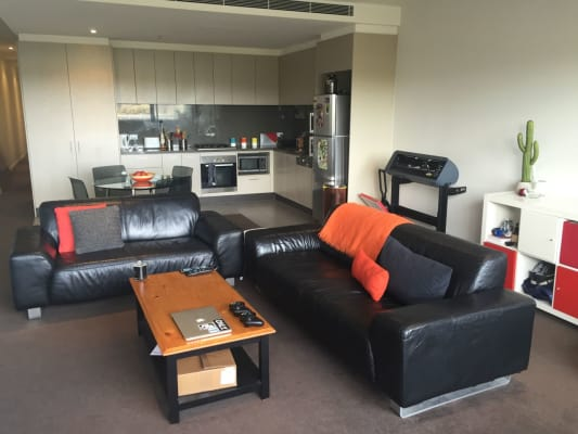 $250, Flatshare, 2 bathrooms, Toorak Rd, Camberwell VIC 3124