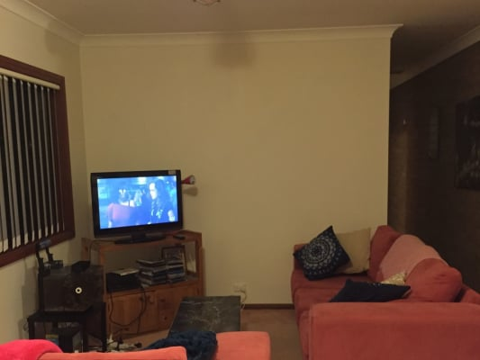 $180, Flatshare, 2 bathrooms, Victoria, Adamstown NSW 2289