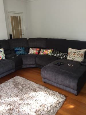 $350, Flatshare, 2 bathrooms, Walsh Street, South Yarra VIC 3141