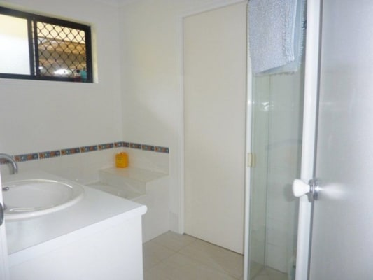 $180, Share-house, 3 bathrooms, Warran Road , Yaroomba QLD 4573