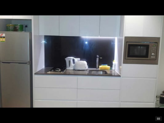 $200, Flatshare, 2 bathrooms, William St, Melbourne VIC 3000