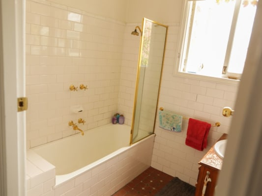 $250, Share-house, 3 bathrooms, Withers St, Albert Park VIC 3206