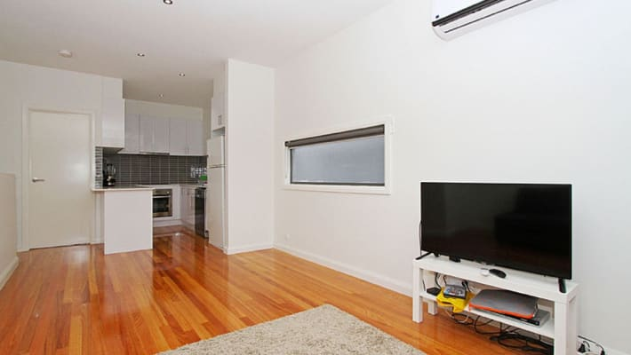 $450, Whole-property, 2 bathrooms, Nicholson Street, Fitzroy North VIC 3068