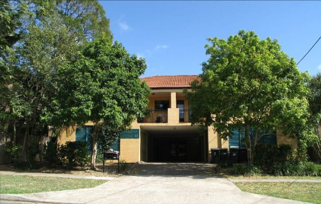 $425, Whole-property, 3 bathrooms, Vincent Street, Indooroopilly QLD 4068
