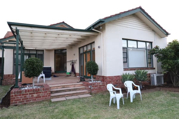 $250, Share-house, 2 rooms, Eglinton Street, Kew VIC 3101, Eglinton Street, Kew VIC 3101