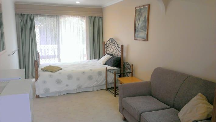 $185, Studio, 5 bathrooms, York Rd, Mount Evelyn VIC 3796