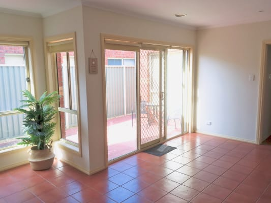 $190, Share-house, 3 bathrooms, The Crescent, Point Cook VIC 3030