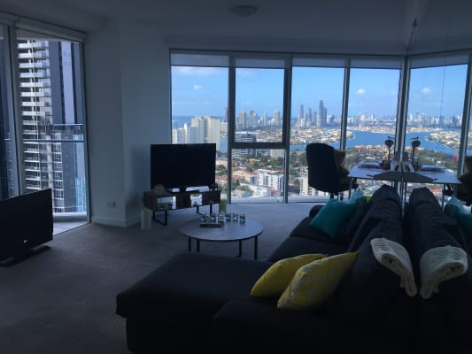 $290, Flatshare, 2 bathrooms, Scarborough Street, Southport QLD 4215