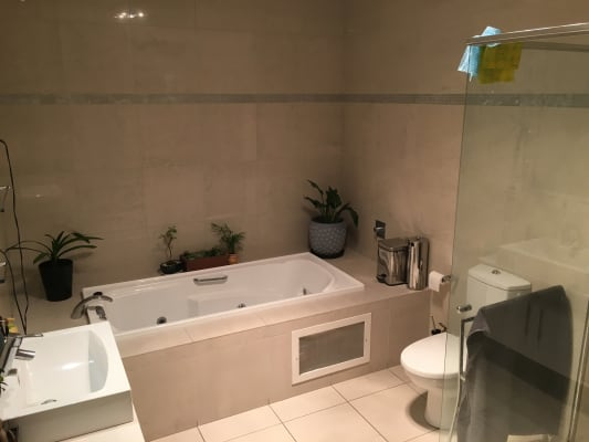 $182, Flatshare, 3 bathrooms, Nicholson Street, Carlton North VIC 3054