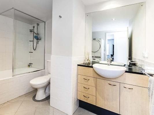$210, Flatshare, 3 bathrooms, Delhi Street, West Perth WA 6005