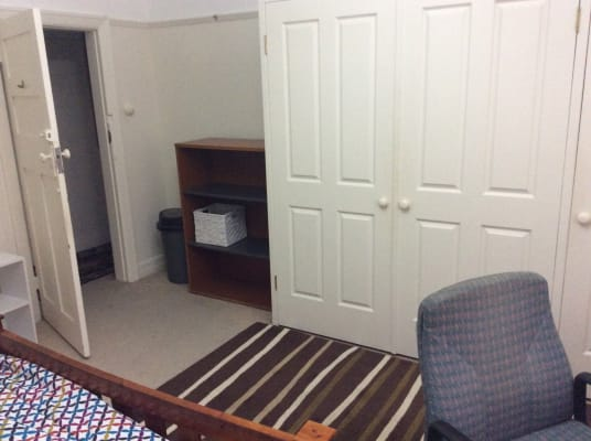 $300, Flatshare, 3 bathrooms, Brook Street, Coogee NSW 2034