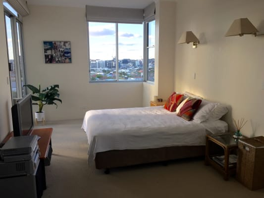 $290, Flatshare, 4 bathrooms, Moray Street, New Farm QLD 4005