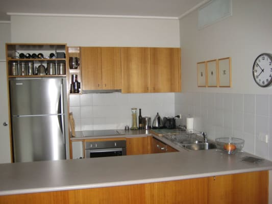 $380, Flatshare, 2 bathrooms, Albert Rd, South Melbourne VIC 3205