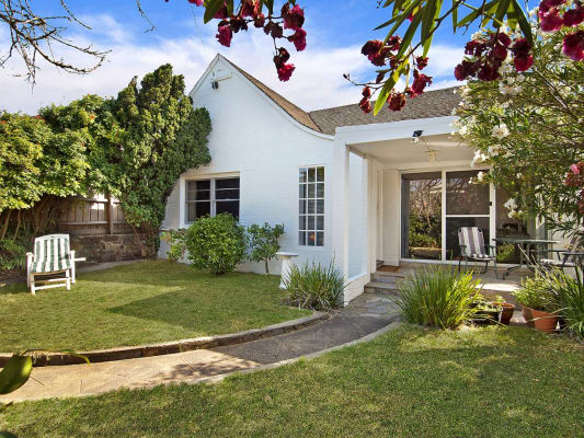 $265, Share-house, 3 bathrooms, Beach Street, Frankston VIC 3199