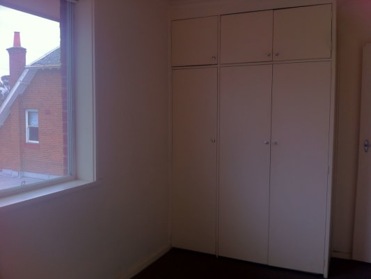 $123, Flatshare, 3 bathrooms, Canterbury Road, Middle Park VIC 3206
