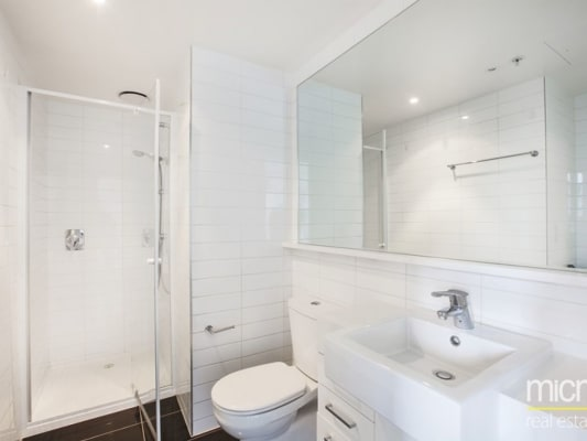 $330, Flatshare, 2 bathrooms, City Road, Southbank VIC 3006