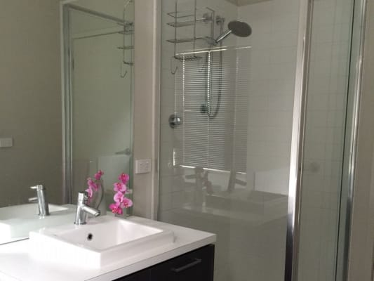 $165, Share-house, 2 bathrooms, Como Glen, Caroline Springs VIC 3023