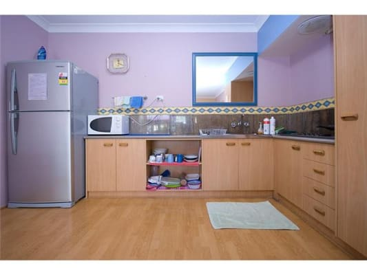 $170, Flatshare, 3 bathrooms, Contact Me , Surfers Paradise QLD 4217