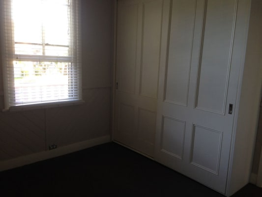 $200, Share-house, 3 bathrooms, Edden Street, Adamstown NSW 2289