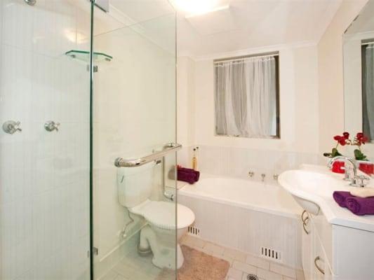 $185, Flatshare, 2 bathrooms, Elizabeth Street, Surry Hills NSW 2010
