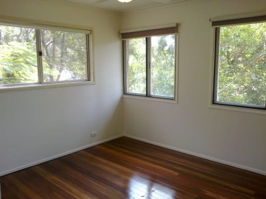 $180, Share-house, 4 bathrooms, Fairweather St., Kenmore QLD 4069