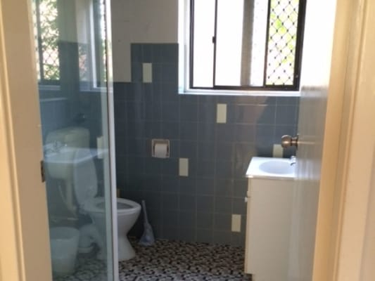$140, Flatshare, 2 bathrooms, Fortescue Street, Spring Hill QLD 4000