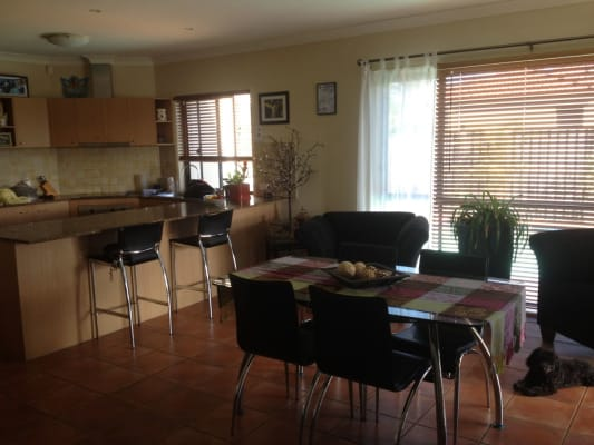 $140, Share-house, 3 bathrooms, Gardendale Cres, Burleigh Waters QLD 4220