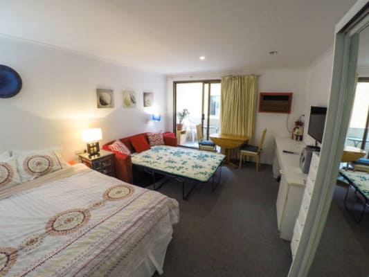 $190, Studio, 1 bathroom, Sydney Road, Manly NSW 2095