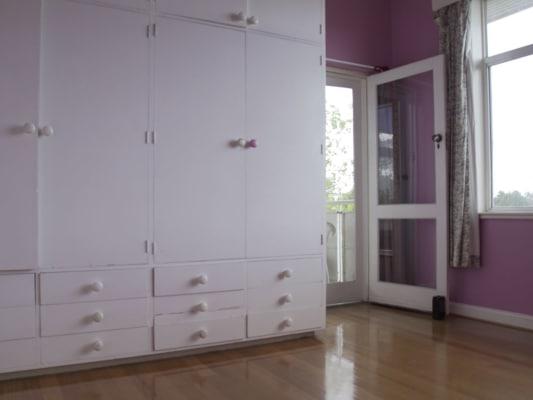 $140, Flatshare, 3 bathrooms, Glen Huntly Road, Elwood VIC 3184
